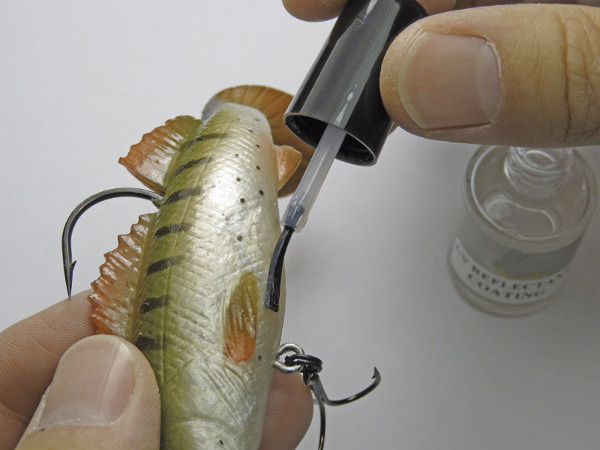 Behr UV Reflective Coating, make your lures stand out underwater!